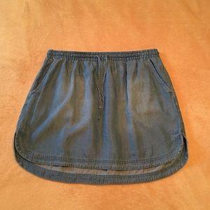 Dresses & Skirts - Merona chambray mini skirt. Size Large.